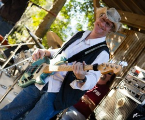 Glenn Woodell at Rio Grande Traders courtesy of Chesbay360 Photography